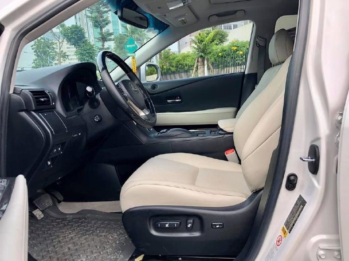 Nhà cần bán E250 AMG 2015 đk 2016, màu Xám hộc nhãn