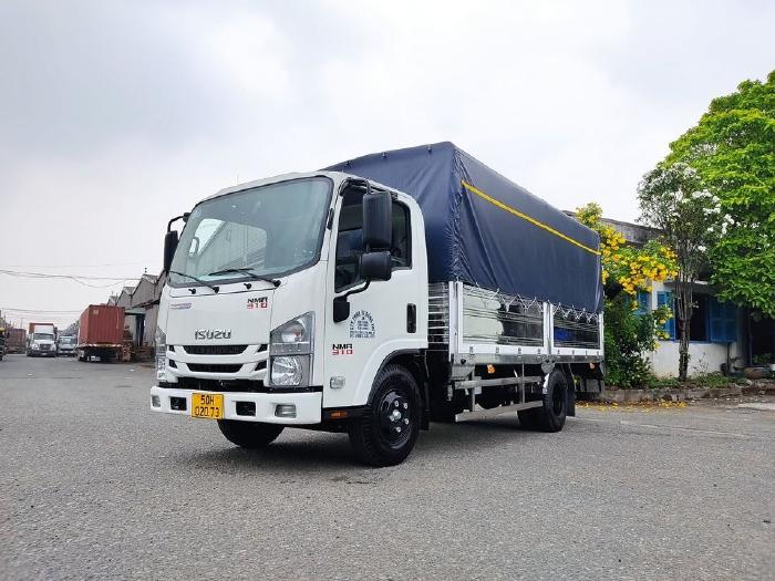 Xe tải Isuzu NMR310 cabin đầu vuông ra tải 1T9 - 2T9