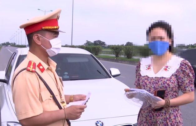 Xe ô tô tháo bớt ghế ngồi có thể bị phạt tới 1 triệu đồng