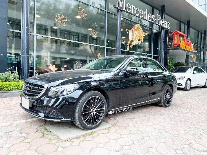 Bán Mercedes C200 Exclusive 2021 siêu lướt màu đen nội thất kem - Duy nhất trên thị trường