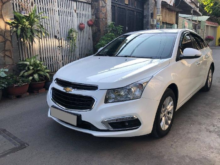 Chevrolet Cruze LT 2018 số sàn, màu trắng
