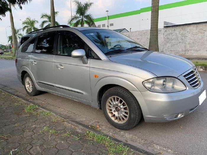 cần bán xe Ssangyong Stavic 2009, 5 chổ, 245kg, số sàn, máy dầu, màu bạc