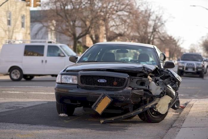 Cách xử lý giúp giảm thiểu thiệt hại khi gặp tai nạn giao thông