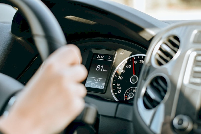 Kỹ thuật lái xe lên dốc bằng xe số tự động