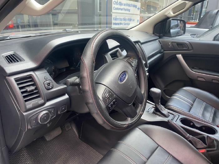 Ford Ranger XLS AT 2020 đăng kí 2021 xe như mới