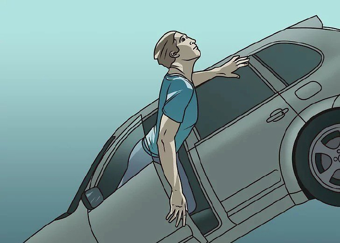 Cố gắng mở cửa nếu xe bị ngập nước