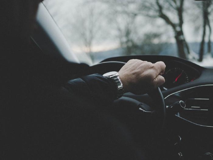 Duy trì vận tốc ổn định và luôn giữ khoảng cách an toàn