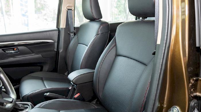 Đối với dòng Suzuki XL7 sở hữu màn hình giải trí với 10 inch