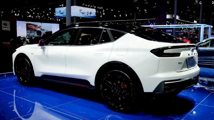 Ford Evos - phiên bản gầm cao của Mondeo(1)