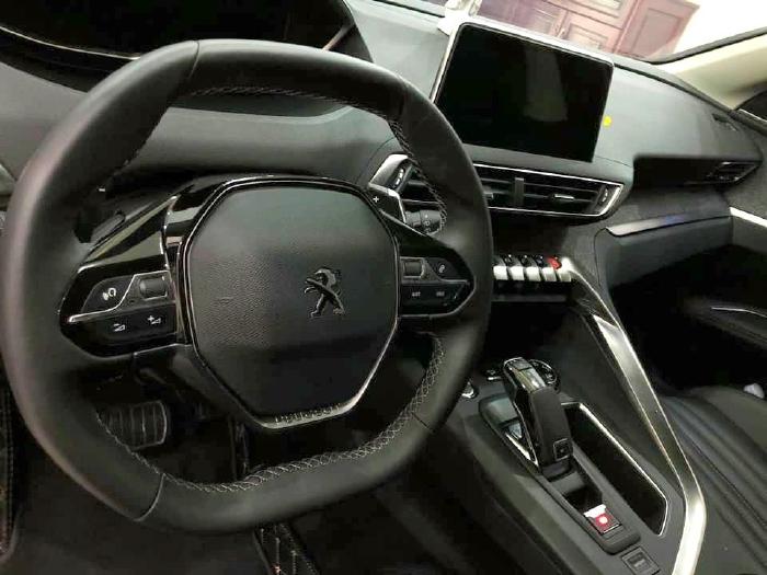 bán Peugeot 5008 2019, số tự động, màu trắng