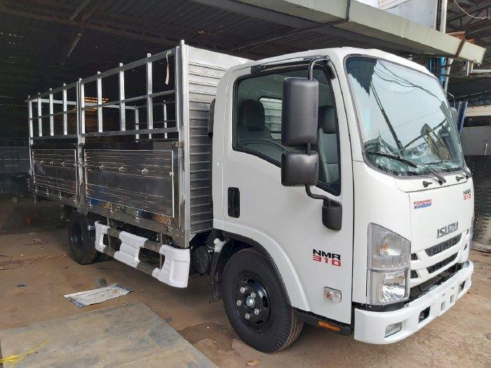 Giá xe tải Isuzu NMR 310 1t9, 3 tấn