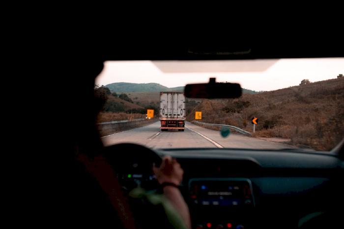 Lưu ý khi lái ô tô nhập vào làn cao tốc