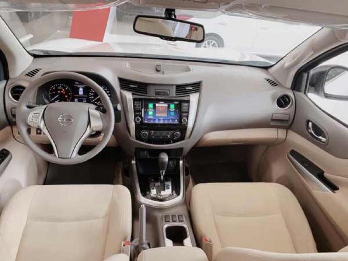 Nissan Navara giảm kịch sàn, ưu đãi vô vàng