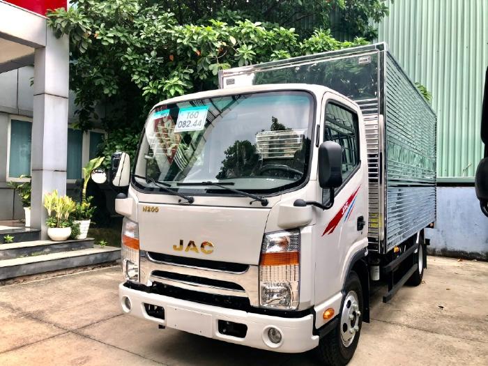 Cần bán Jac N200 2tấn - Thùng kín Inox 4m3