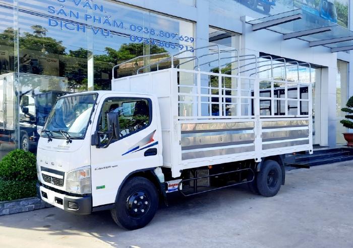 Xe tải Mitsubishi Fuso Canter 4.99 thùng mui bạt, tải trọng 1,9 tấn, xe tải trung cao cấp Nhật Bản