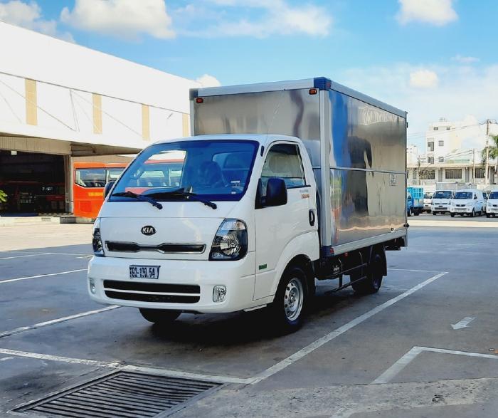 Giá xe tải Kia K200 tháng 6/2021, giá xe Kia K200 thùng kín lăn bánh tại Tp.HCM