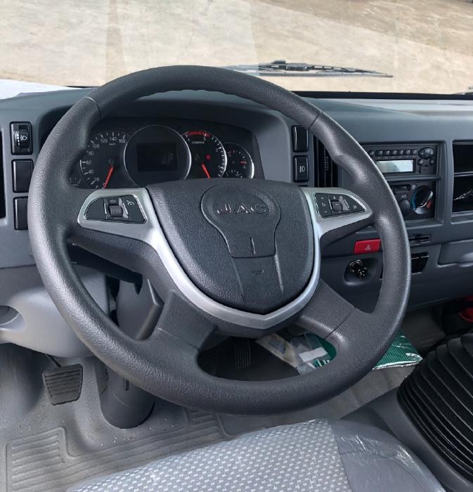 Xe tải Jac N800 Thùng Mui - Tải trọng 8 tấn - Trả trước 200 tr nhận xe
