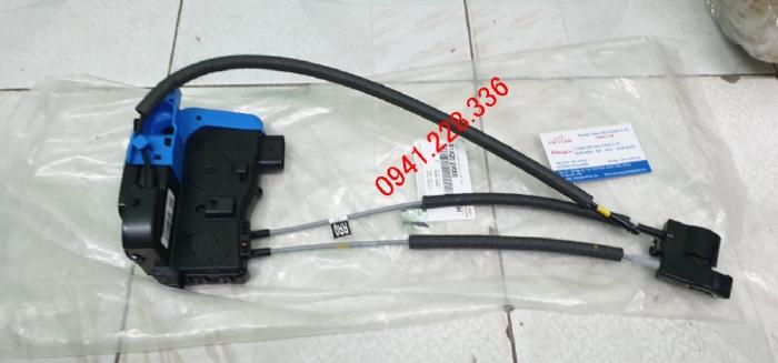 Ổ khóa ngậm cánh cửa Hyundai Veloster 814102V010 / 814202V000