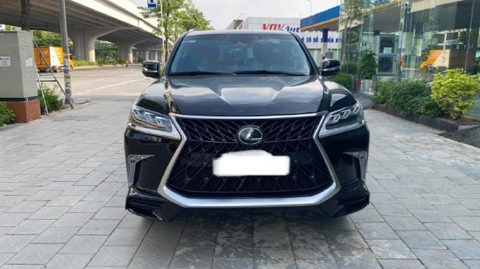 Bán Lexus LX570 MBS 4 chỗ màu đen, sản xuất 2019, lăn bánh cực ít, mới 99,9%.